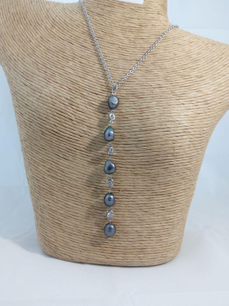 Náhrdelník s kultivovanými říčními perlami