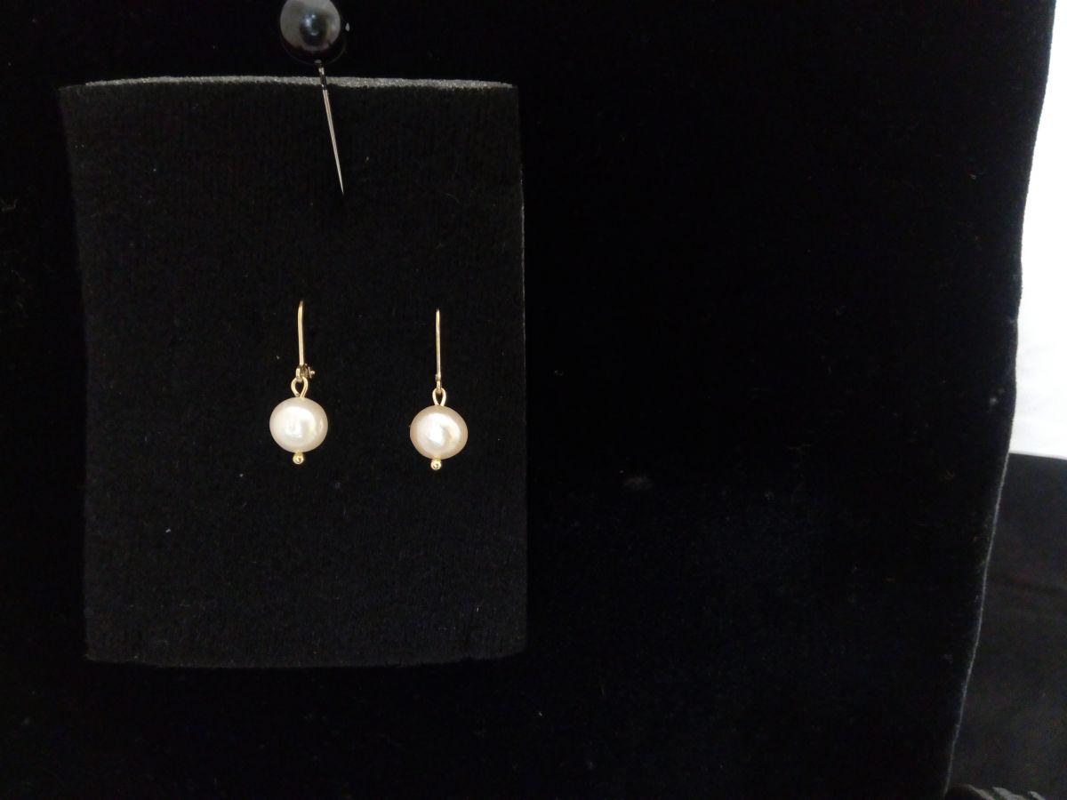 Náušnice z říčních perel