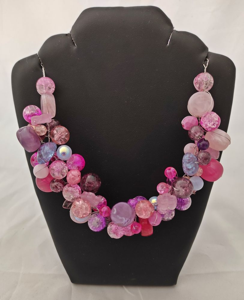 Korálkový náhrdelník růžový